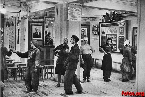 Construction workers_ canteen hotel metropole moscow (1954) by Henri Cartier-Bresson