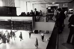 Garry Winogrand - Untitled (T.W.A. Terminal..