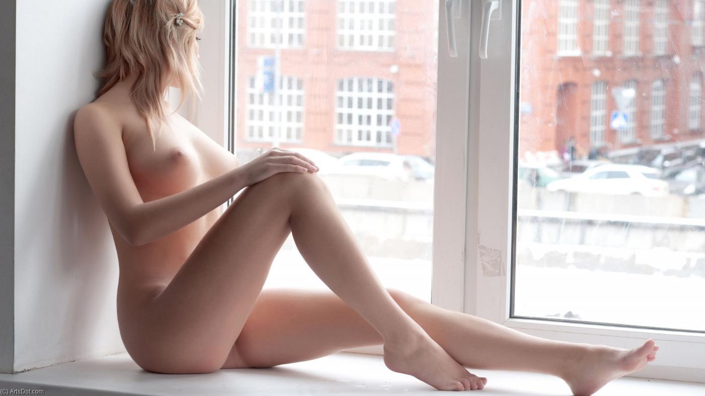 irina-voronezh-krasivaya-erotika-vozle-okna