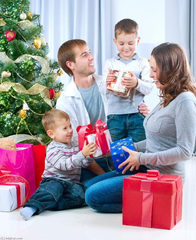 Детям дарят дорогие подарки 150