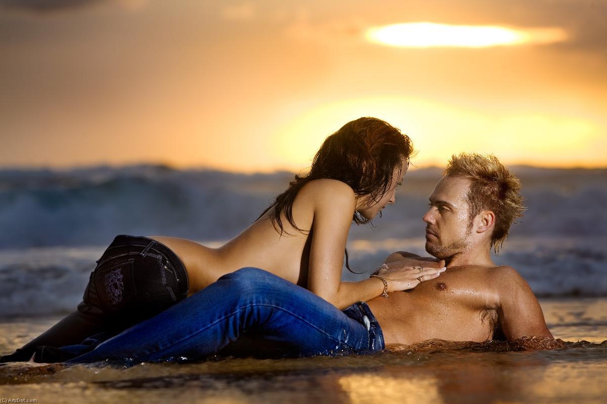 Ебут любимую на пляже